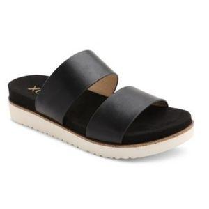 XOXO Dylan sandal size 8